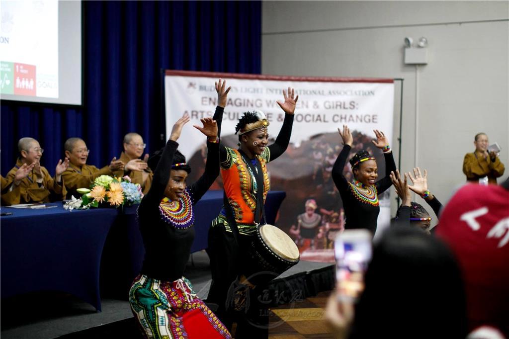 非洲天龍隊女子表演 驚艷聯合國